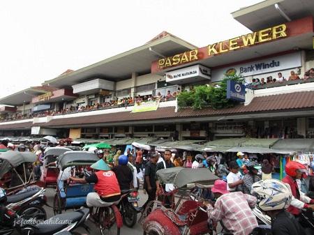 Pusat Grosir Baju Murah Solo Klewer 2019 Grosiran Baju Solo Pasar Klewer a02b141450
